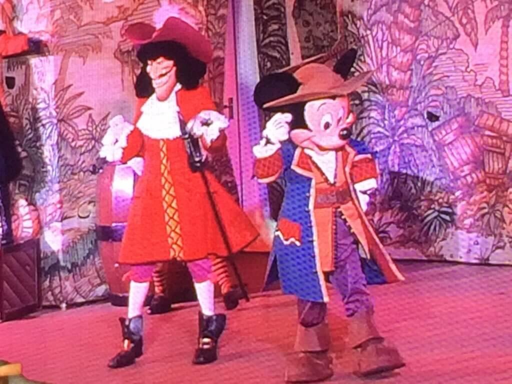 Disney Cruise Tips:  Come prepared for Pirate Night!