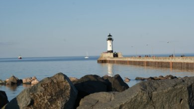 The Best Things to Do in Duluth MN with your Family featured by top US family travel blog, Travel with a Plan: Duluth Lighthouse