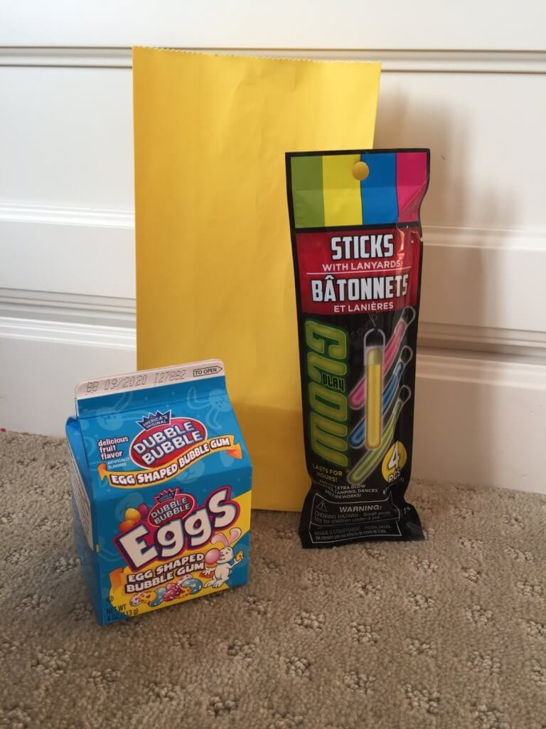 Road Trip activities featured by top US family travel blog, Travel with a Plan: Glow stick road trip activity bag