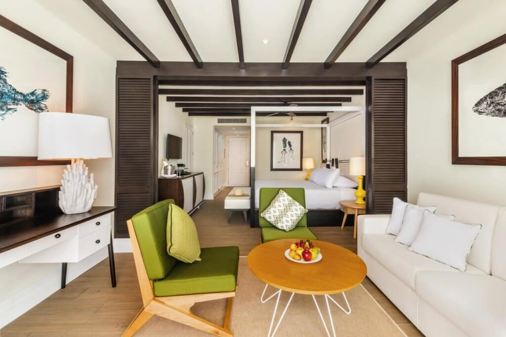 Top U.S. Travel Blog   Travel With A Plan: Ocean Riviera Paradise guest room