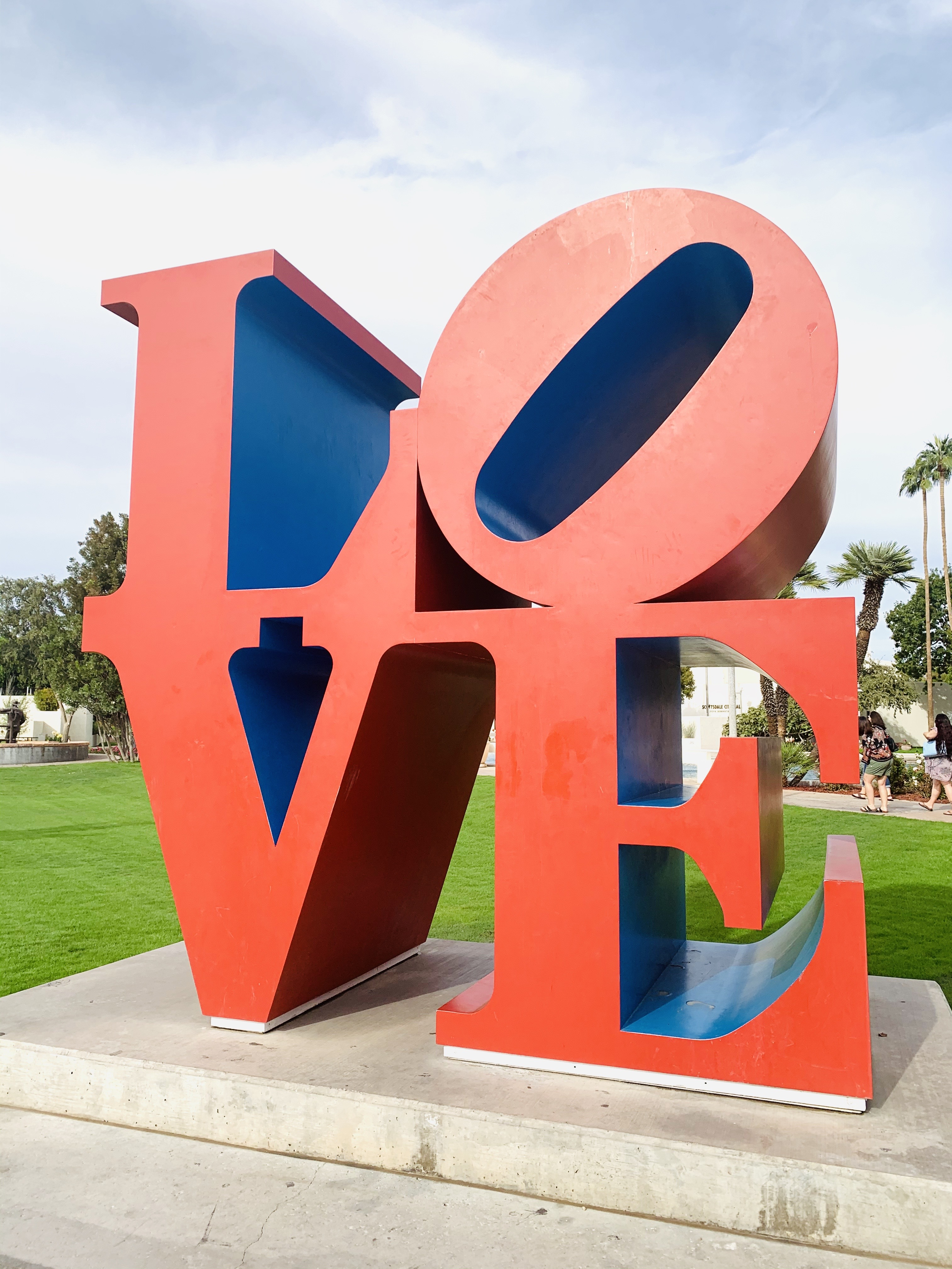 Scottsdale girls weekend LOVE sculpture.