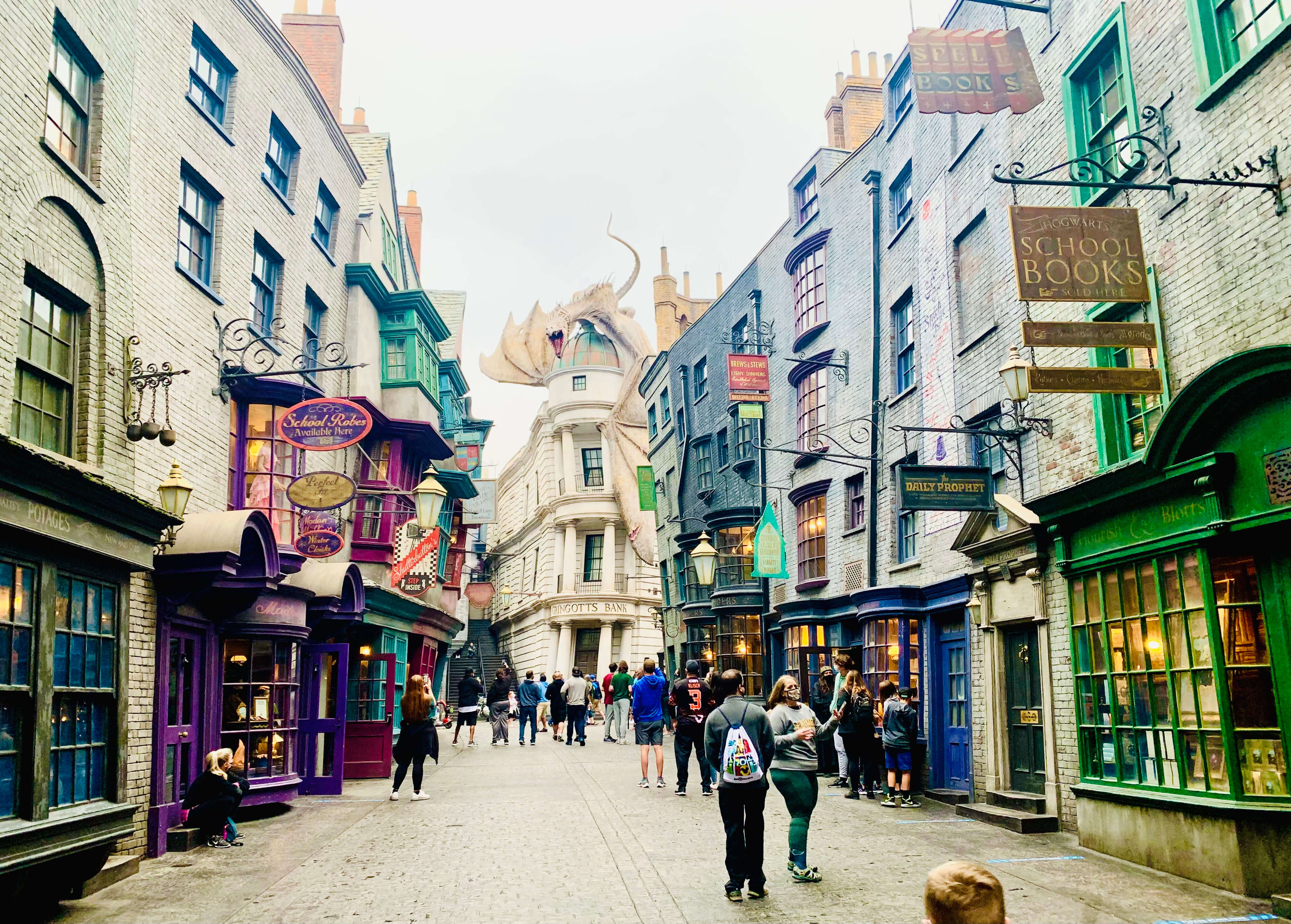 Universal Studios Diagon Alley and our 1-day Universal Studios itinerary