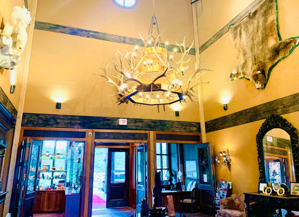 Grouse Mountain Lodge lobby