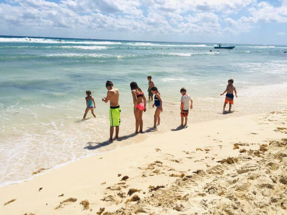 Discover our list of what to bring to Mexico from top US family travel blog, Travel With A Plan!